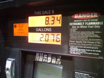Gas_pump_display,_Jacksonville,_FL